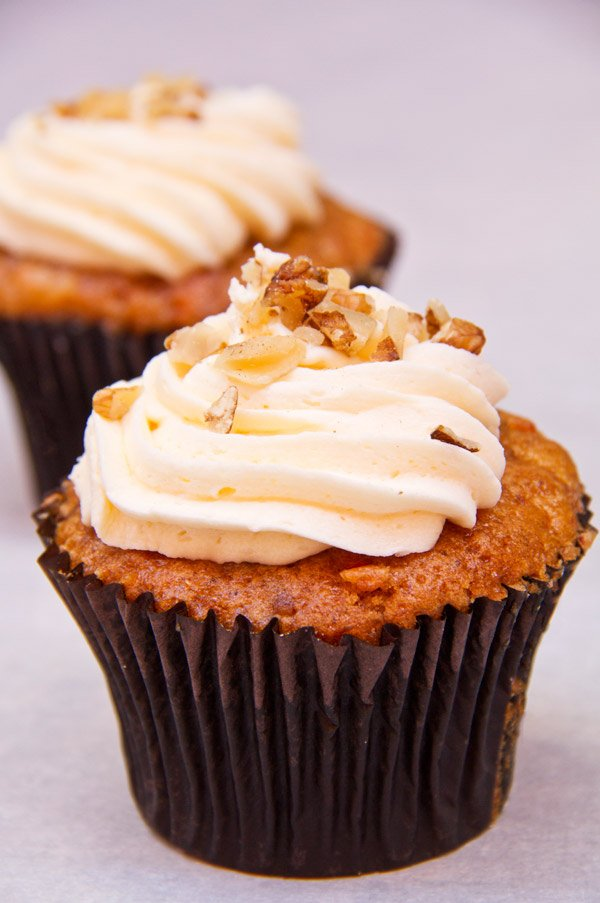 cupcakes-with-icing